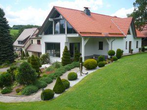 Haus Walther mit Vorgarten